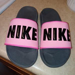 Nike slides **Brand New**